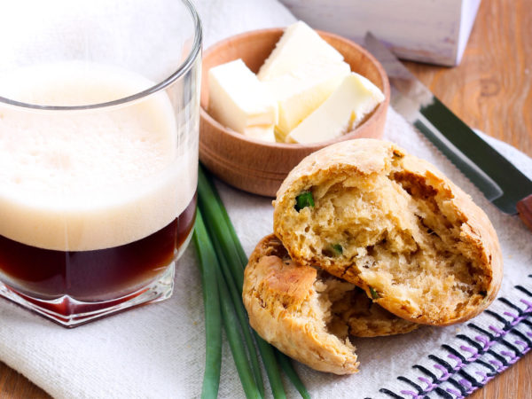 Cheddar & chive beer dampers and glass of coffee